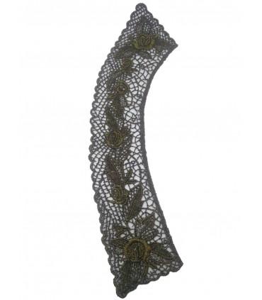 Guipure-Halsbänder
